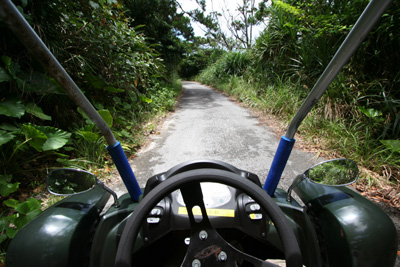 Day4-4 ミニカーで阿嘉島を走り回る