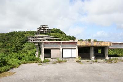 中城城近くの廃墟