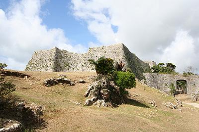 Day6-2 中城城 - 沖縄に点在する城跡の一つ