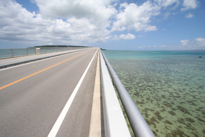Day7-3 「古宇利島・屋我地島」海中道路っぽい海中道路