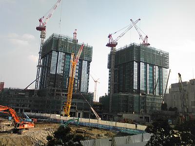 高層ビルの建築が進む中地区