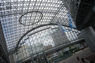 Day3-1 新幹線開通が待ち遠しい金沢駅