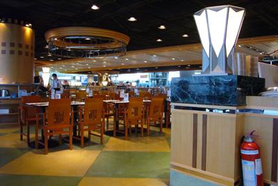 香港空港のカフェ