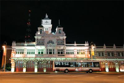 夜の消防署
