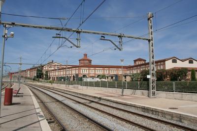 フレシネ工場の最寄り駅